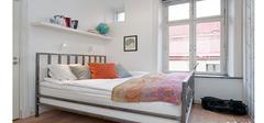 温馨和谐的小户型卧室装修效果图