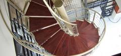 小户型装修 旋转楼梯节省空间