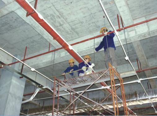 水电安装施工现场