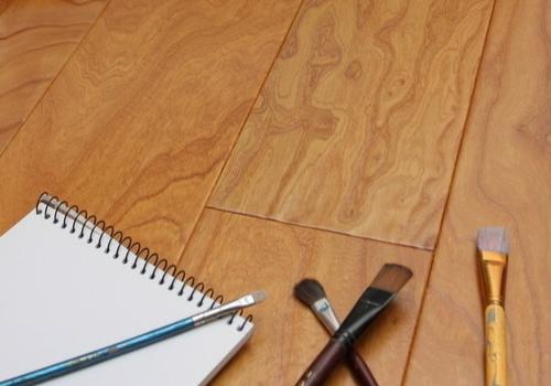 维护实木地板的措施