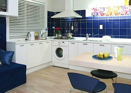 改造后功能齐全的厨房