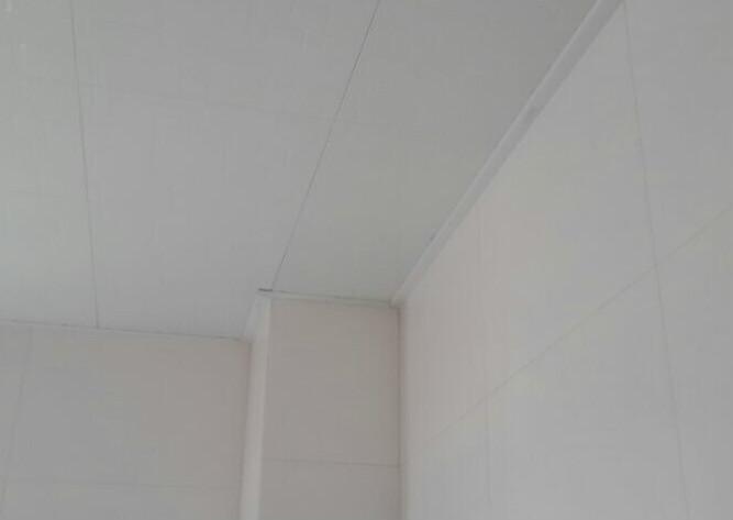 平整、光滑的墙面才算合格