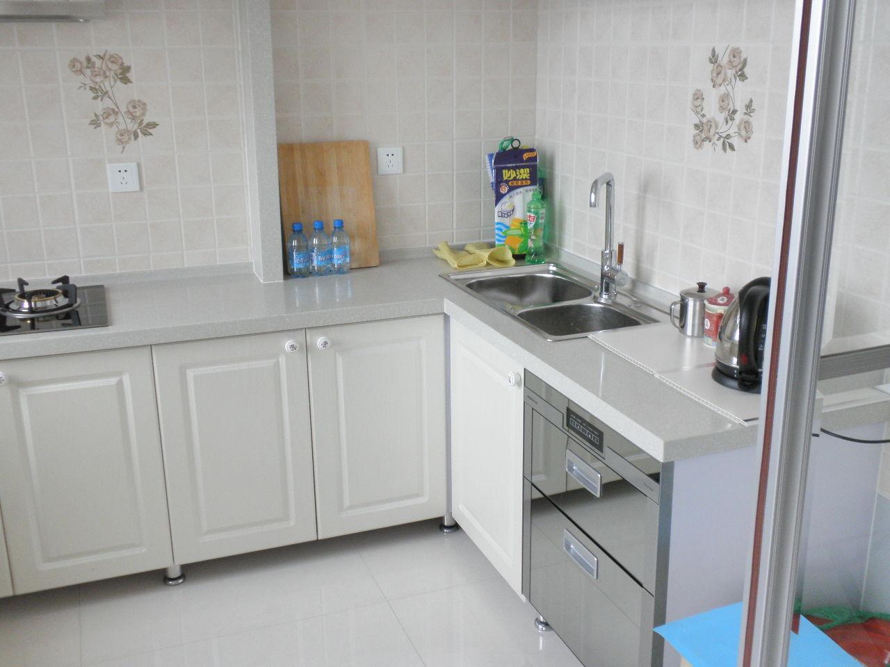 二手厨房改造后效果图