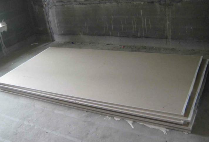 用眼看鉴别石膏板质量