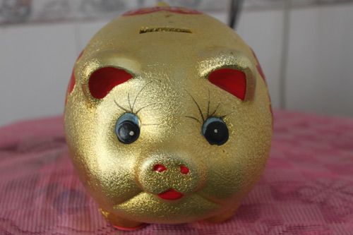卧室财位放金猪存钱罐注意事项