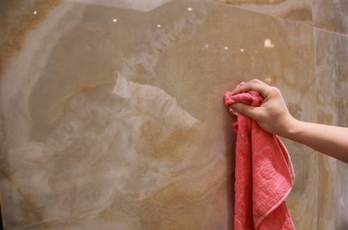 瓷砖要具备很好的防污能力