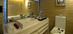 白色卫生间装修效果图,赏纯净之美!