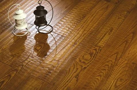 水曲柳地板的缺点中见分晓