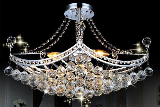水晶灯饰在客厅的运用