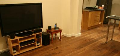 选购实木复合地板时,应注意什么?
