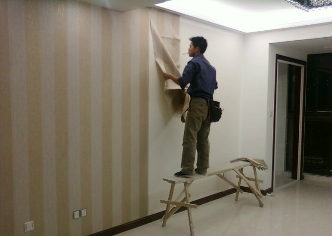 墙纸铺贴方法