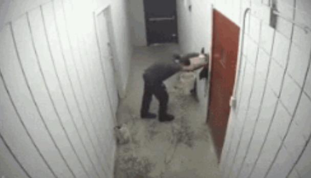 店主给小偷做密室