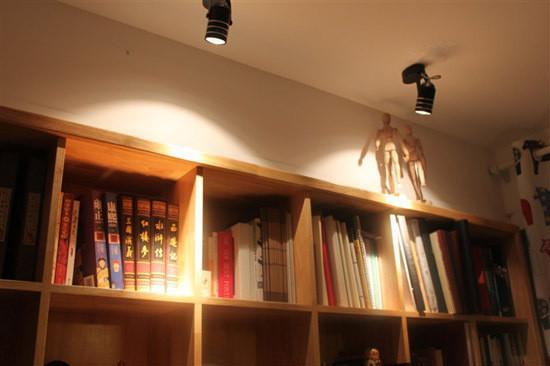 射灯在使用时要搭配