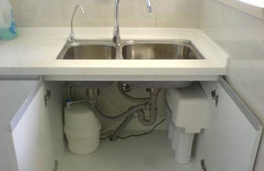厨房净水器安装