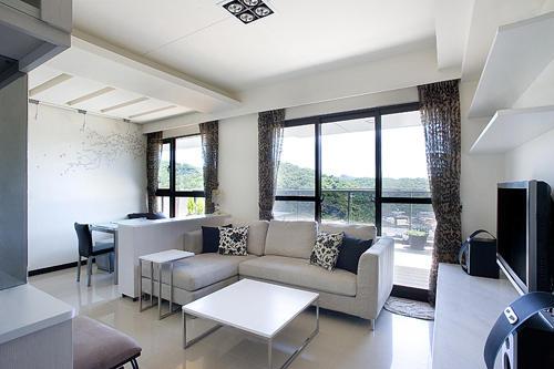 北欧风格客厅窗帘之形状选择
