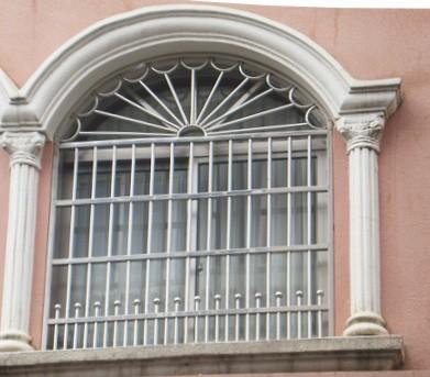 防盗窗应该如何选购呢