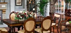 欧式风格餐桌,不同材质不同的用餐环境!