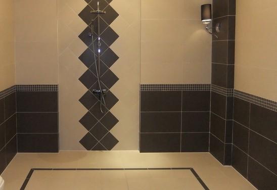 对地板砖对缝拼花的验收