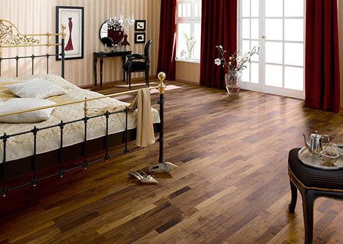 地板保养之除污细节