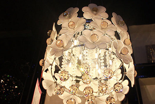 水晶吊灯清洗方法