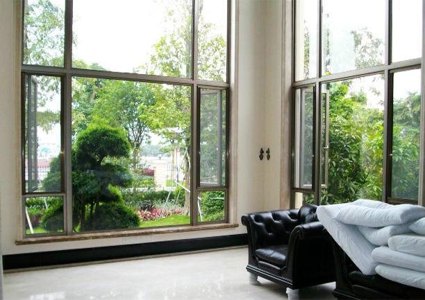 清洗隐形纱窗的方法