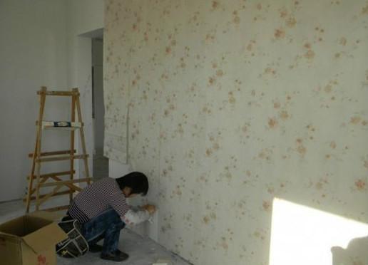 旧墙纸剥除方法