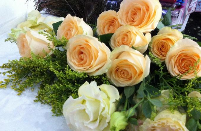 香槟玫瑰的花语