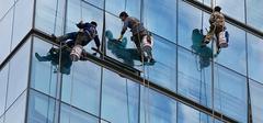 玻璃幕墙有哪些清洗方法?
