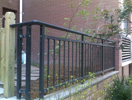 阳台护栏案例图