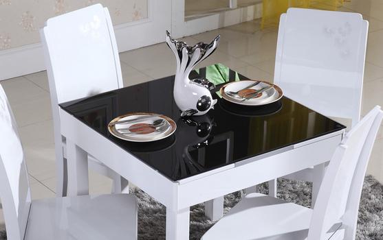 小户型折叠式餐桌
