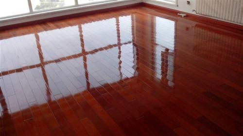 实木地板打蜡