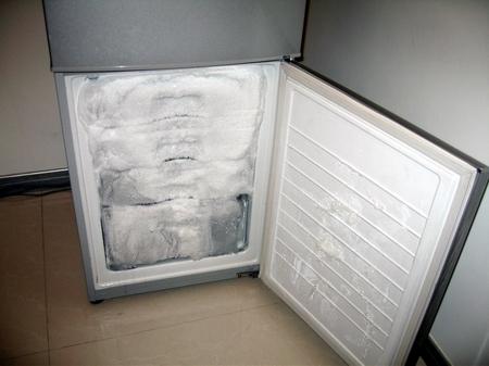 冰箱冷藏式有水
