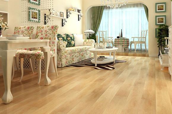 浅色木地板