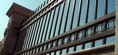 热镀锌阳台护栏有哪些特点?