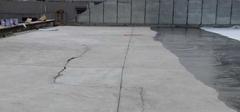 屋顶漏水,找原因再处理!