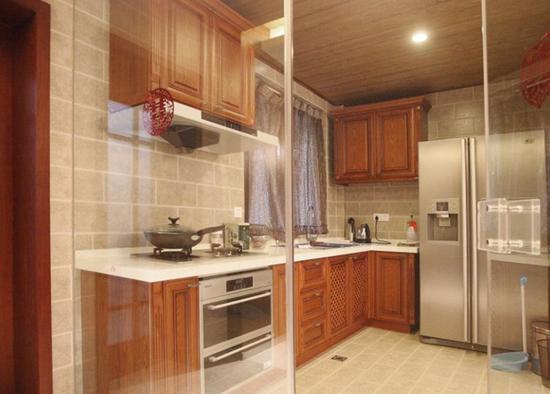 厨房玻璃隔断