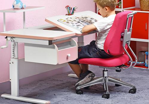 儿童学习桌效果图