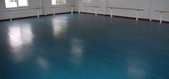 两种地板漆的优点比较