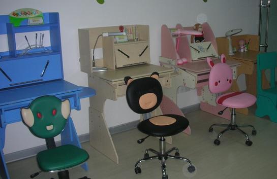 儿童写字台
