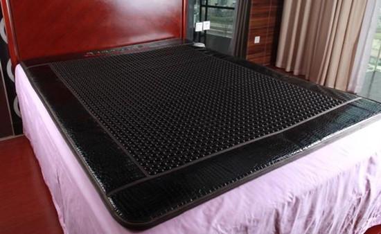 电气石床垫的功效
