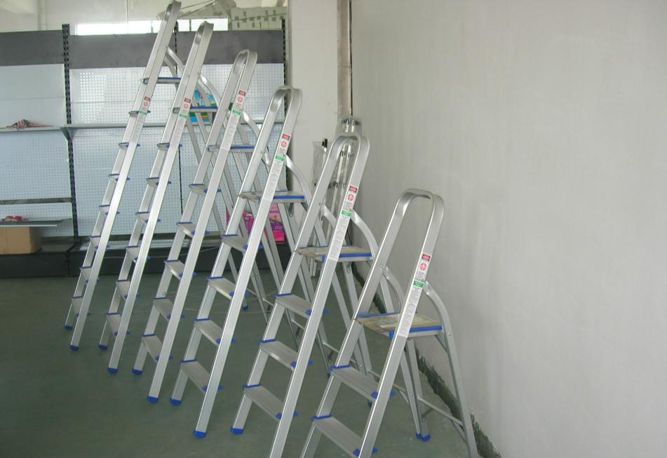 家用铝合金梯