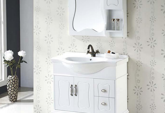 橡木浴室柜保养