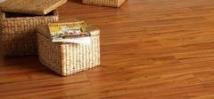 如何给复合地板保养?