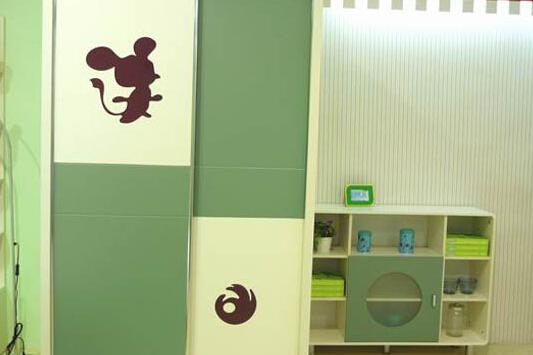 儿童衣柜定制
