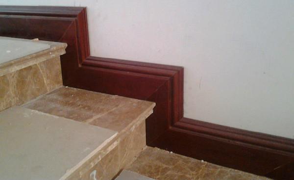 楼梯踢脚线
