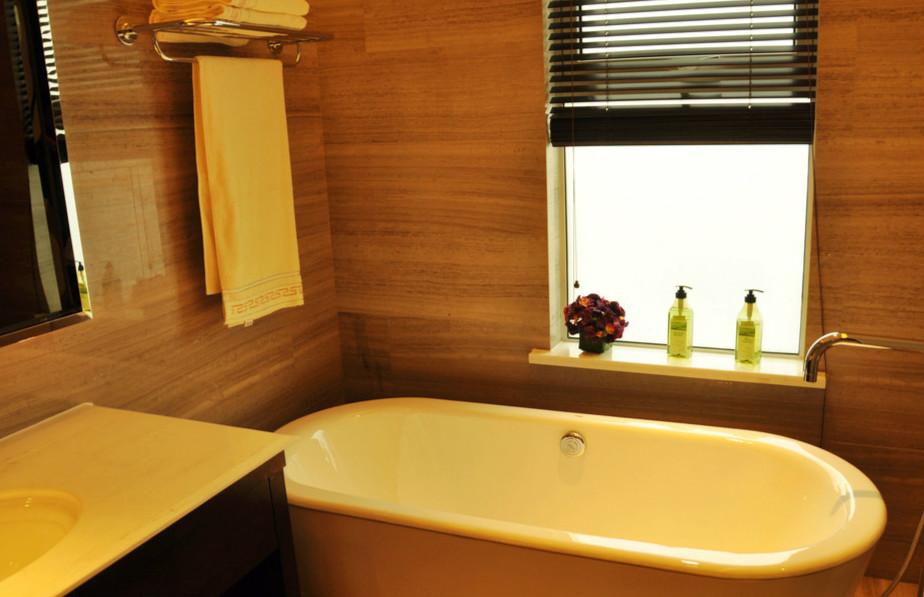 卫生间木质家具
