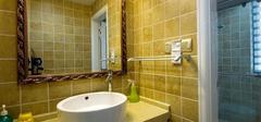 卫生间瓷砖颜色,搭配精致空间!