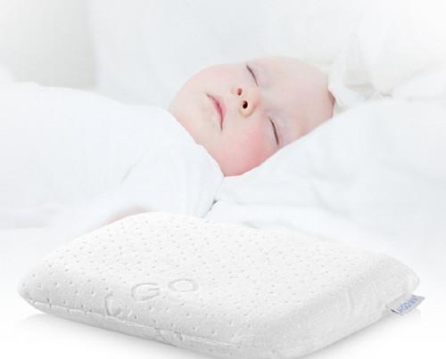 婴儿枕头高度