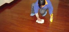 实木复合地板采用喷式打蜡需要注意什么?