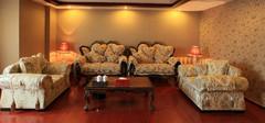 客厅沙发与墙壁如何搭配?